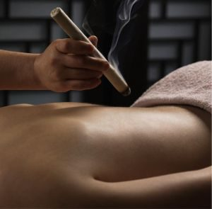 Moxibustion au cigare d'armoise